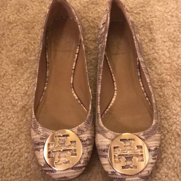 0021d14fc551 M 5adb76c4fcdc3108ba8f3f6b. Other Shoes you may like. Tory Burch Melinda  flats